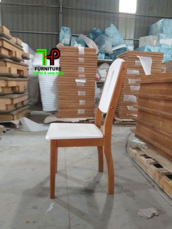 bàn ăn khung gỗ