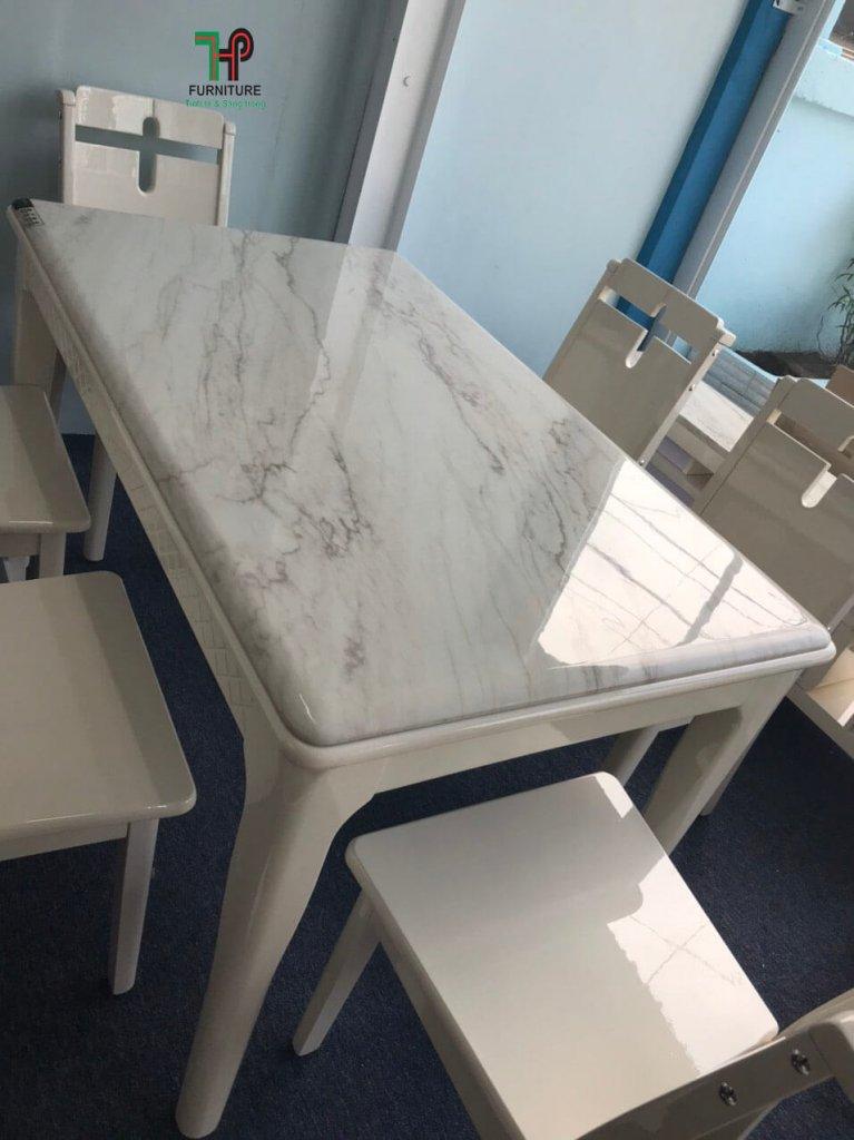 bàn ăn mặt đá marble