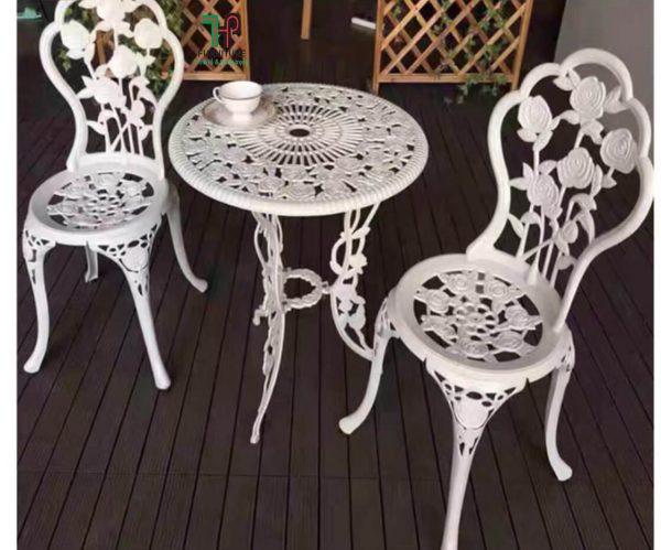 bàn ghế tròn thư giản