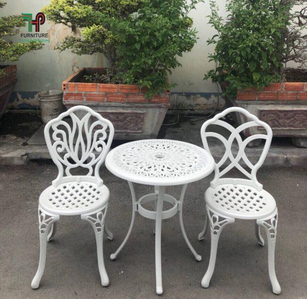 Ghế ngồi nhôm đúc sân vườn 01